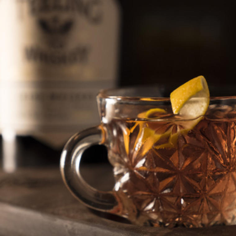 viski kokteil Teeling Whiskey Old Fashioned